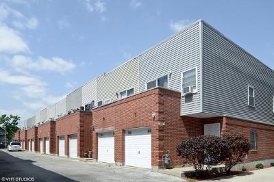 Condo/Townhouse For Sale: 1720 North Kedzie Avenue #D
