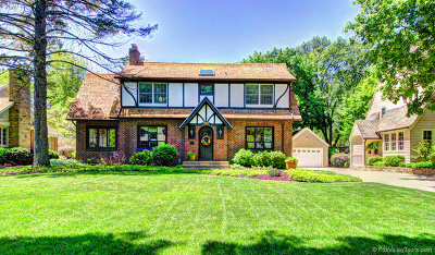Batavia  Single Family Home For Sale: 343 North Lincoln Street