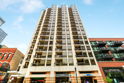 Condo/Townhouse For Sale: 1212 North Wells Street #201