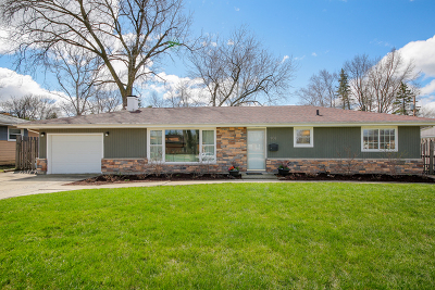 Single Family Home For Sale: 908 Bridle Lane