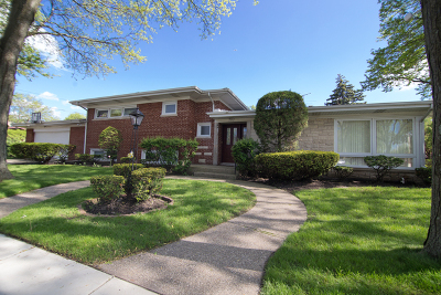 Lincolnwood Single Family Home Price Change: 7357 North Kedvale Avenue