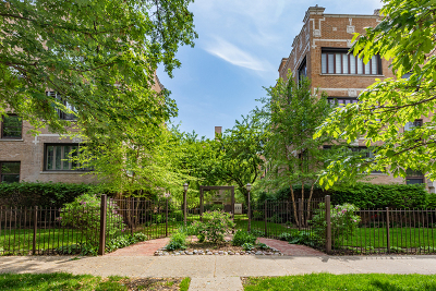 Condo/Townhouse For Sale: 4731 North Paulina Street #2