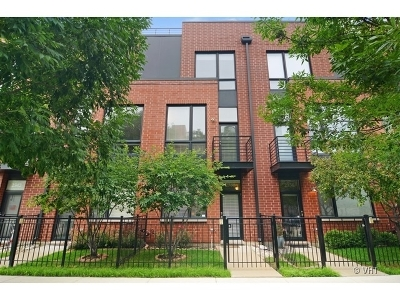 Condo/Townhouse For Sale: 2338 West Wolfram Street