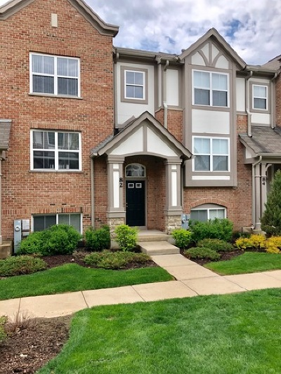 Lake Zurich Condo/Townhouse For Sale: 82 Rosehall Drive