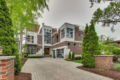 Morton Grove Single Family Home For Sale: 9220 Belleforte Avenue