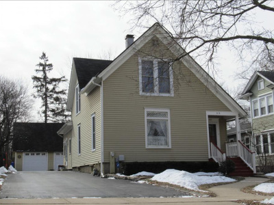Single Family Home For Sale: 414 East Illinois Street