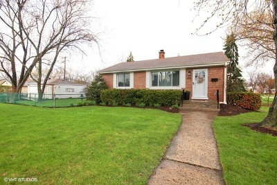 Elmhurst Single Family Home For Sale: 878 South Fairfield Avenue