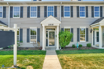 Aurora Condo/Townhouse For Sale: 2535 Hillsboro Boulevard #2535
