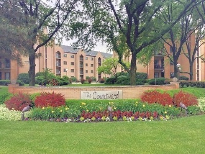 Condo/Townhouse For Sale: 7400 West Lawrence Avenue #430