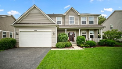 Island Lake Single Family Home For Sale: 2049 Foxridge Drive