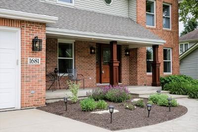 Batavia  Single Family Home For Sale: 1681 Fox Trail Drive