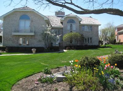 Oak Brook Single Family Home For Sale: 152 Saint Francis Circle