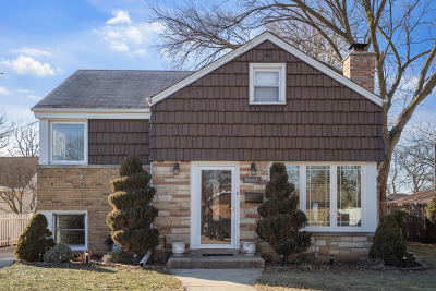 Morton Grove Single Family Home For Sale: 8842 Austin Avenue
