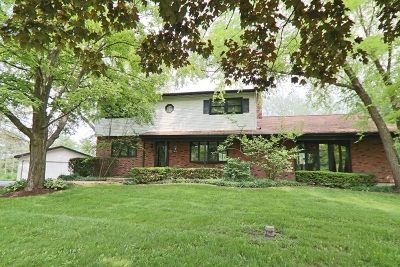 West Chicago Single Family Home For Sale: 2n471 Woodcrest Drive