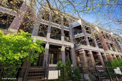 Condo/Townhouse For Sale: 1045 West Monroe Street #1
