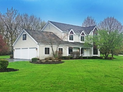 Hawthorn Woods Single Family Home For Sale: 4 Fox Hunt Court