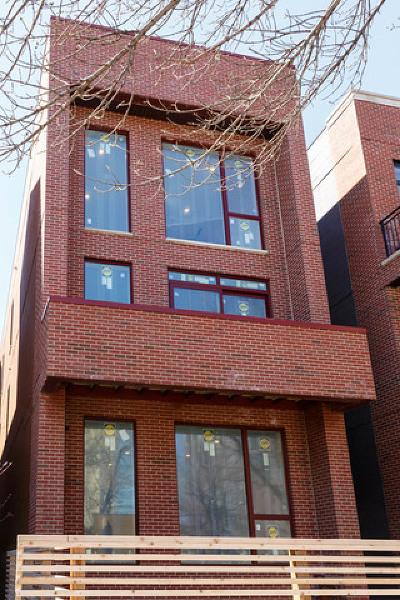 Condo/Townhouse For Sale: 1104 North Marshfield Avenue #1