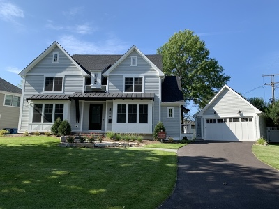 Clarendon Hills Single Family Home For Sale: 64 Rose Place