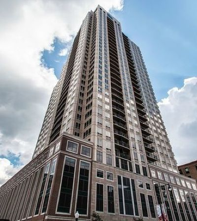 Condo/Townhouse For Sale: 1111 South Wabash Avenue #1110