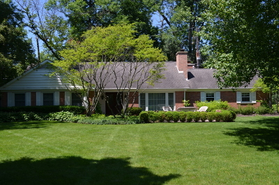Lake Forest Single Family Home For Sale: 334 Chiltern Drive