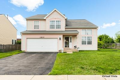Glendale Heights Single Family Home For Sale: 1844 Churchill Lane