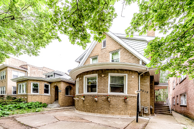 Chicago Single Family Home For Sale: 6213 North Fairfield Avenue