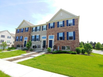 Gilberts Condo/Townhouse For Sale: 511 Town Center Boulevard