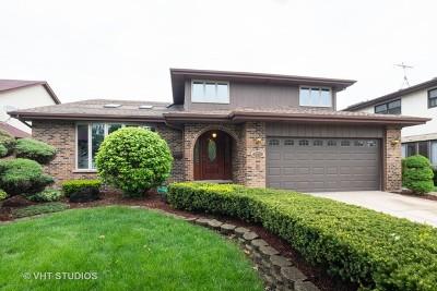 Oak Lawn Single Family Home For Sale: 9833 South Kolin Avenue