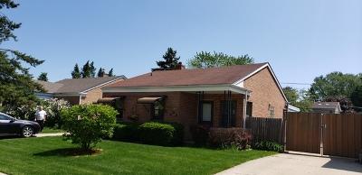 Morton Grove Single Family Home For Sale: 8223 Menard Avenue