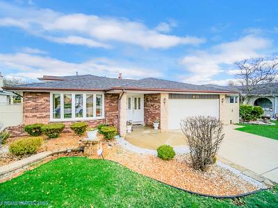 Oak Lawn Single Family Home For Sale: 9131 South Komensky Avenue