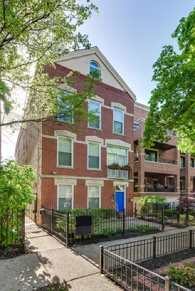 Condo/Townhouse For Sale: 2626 North Wayne Avenue #REAR