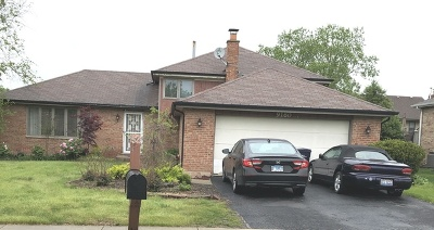 Orland Park Single Family Home Contingent: 9160 Dewberry Lane