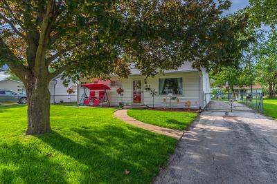 Bloomington Single Family Home For Sale: 406 Maizefield Avenue