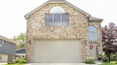 Elmhurst Single Family Home For Sale: 554 North Oaklawn Avenue
