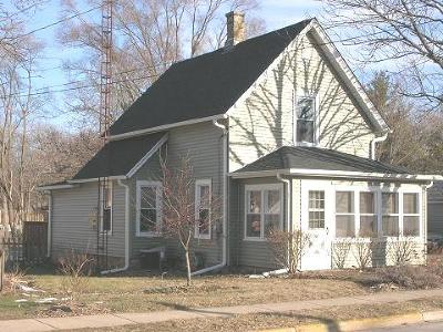 Marengo Single Family Home For Sale: 407 Maple Street