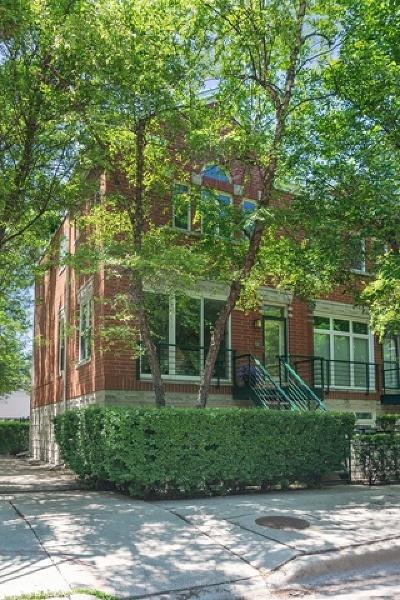 Condo/Townhouse For Sale: 2500 North Bosworth Avenue