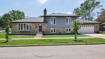Elmhurst Single Family Home For Sale: 436 West Montrose Avenue