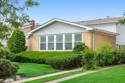 Morton Grove Single Family Home For Sale: 9232 Maple Court