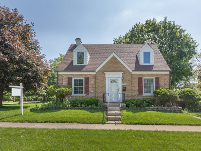 Wheaton Single Family Home For Sale: 1320 Manchester Road