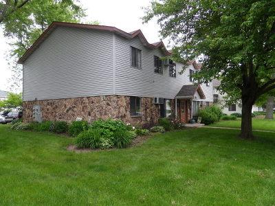 Aurora Condo/Townhouse For Sale: 455 Echo Lane #3