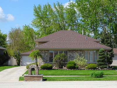 Oak Lawn Single Family Home For Sale: 5437 West 108th Place