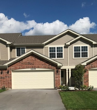 Cary Condo/Townhouse For Sale: 1209 Prairie View Parkway