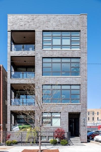 Condo/Townhouse For Sale: 456 North Carpenter Street #3
