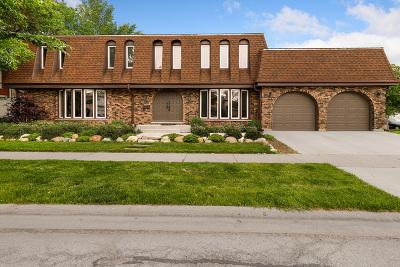 Skokie Single Family Home For Sale: 5244 Farwell Avenue