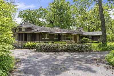 Northfield Single Family Home For Sale: 587 Briar Lane