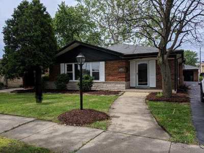 Oak Lawn Single Family Home For Sale: 4528 West 102nd Place
