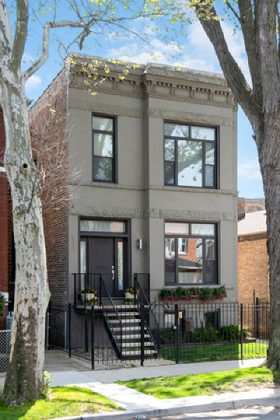 Chicago Single Family Home For Sale: 821 North Francisco Avenue