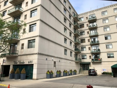 Condo/Townhouse For Sale: 680 North Green Street #413