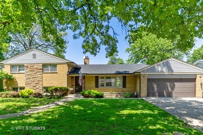 Lincolnwood Single Family Home For Sale: 6435 North Kilbourn Avenue