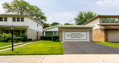 Skokie Single Family Home For Sale: 4929 Farwell Avenue